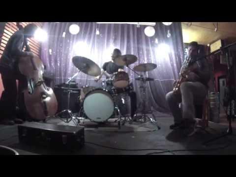 Res Nullius ( Jazz Experimental Niebla) 25 de Abril 2015