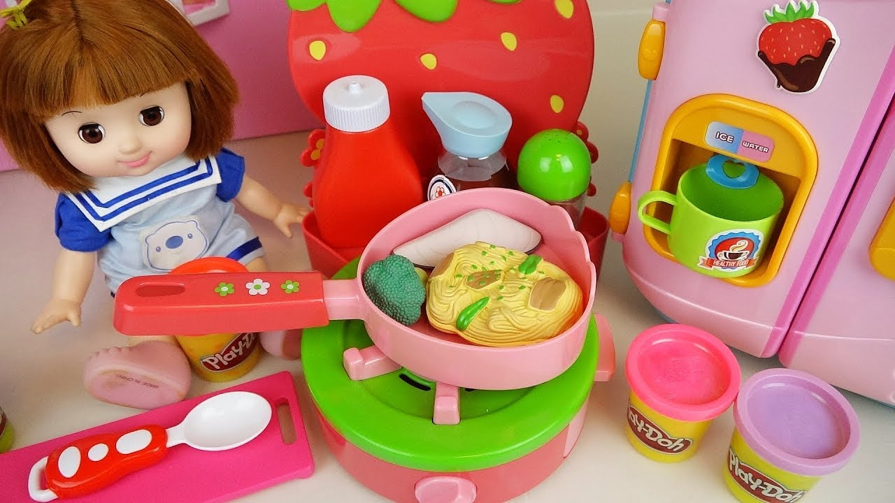 Play doh and baby doll color changing food cooking play Doli house