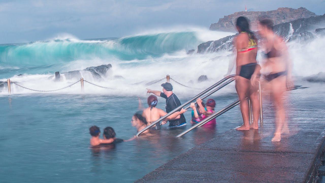 Giant waves in Kiama rock pool