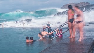 Giant waves in Kiama rock pool