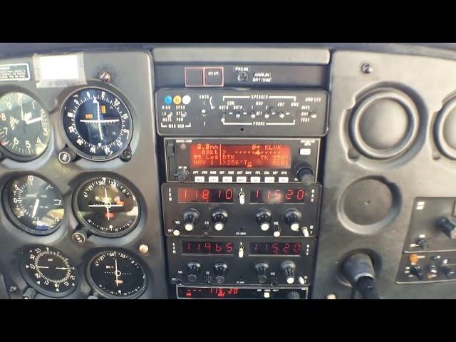 Cessna 172 landing at Livermore (KLVK)