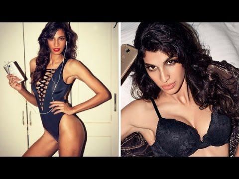 Top 10 Most Hottest Female Singers in Bollywood