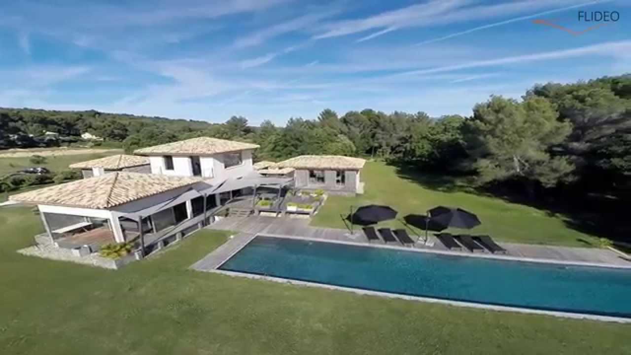 Space luxueuse villa vacances avec piscine d 39 exception for Camping a aix en provence avec piscine