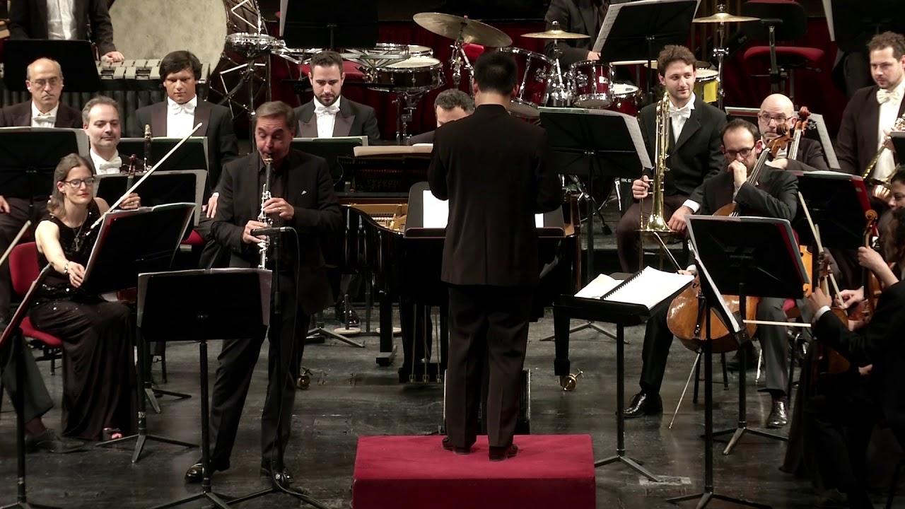 Leonard Bernstein's Prelude, fugue and riffs