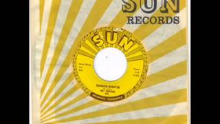 ROY ORBISON  - CHICKEN HEARTED -  I LIKE LOVE -  SUN 284 wmv