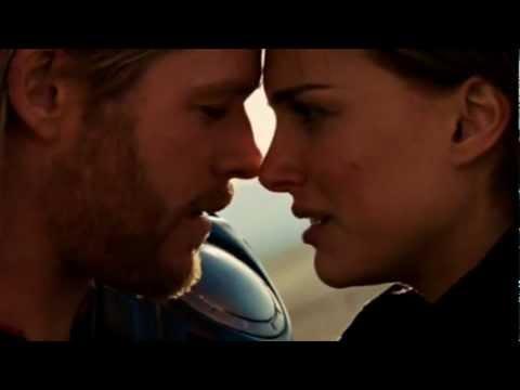Thor & Jane Kiss (Thor 2011)