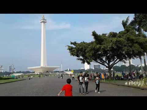 Jalan-Jalan Ke Tugu Monas Jakarta