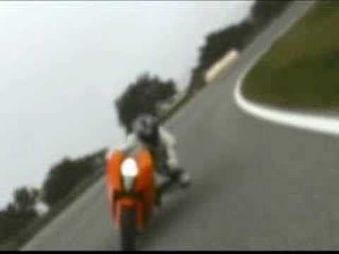 TEST KTM RC8 - MOTOCICLISMO
