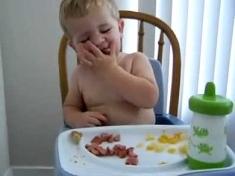 Yemek Yerken Uyuyan Bebek