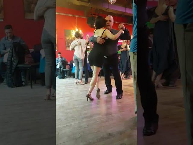 Pasos de baile de tango para milonguear en la pista de la milonga 2