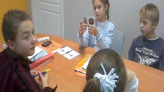 Игры на занятиях - Family and Friends 4