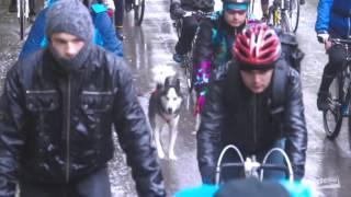 Официальное видео осенней велогонки Chisinau Criterium 2015(11 октября 2015 года, состоялась велогонка на выживание Chisinau Criterium по улицам Кишинева. В рамках велосипедного..., 2015-11-17T11:03:04.000Z)