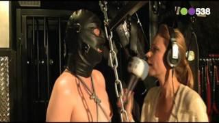 Radio 538: Froukje interviewt meesteres en slaaf ( Niels en Froukje )