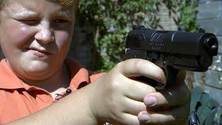 Politie: ga niet met nepwapens de straat op, je speelt met je leven