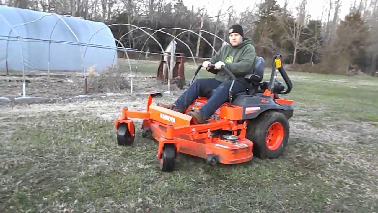 Kubota Z724 Zero Turn Lawn Mower