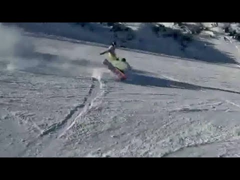 Snowboarder travolge una sciatrice e scappa: ecco l'incidente