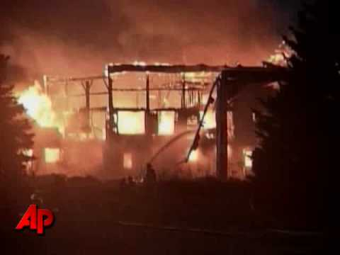 Raw Video: Wisconsin Barn Burns