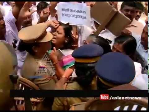 Gang rape of 16 years old girl at Kollam; congress protest against Police