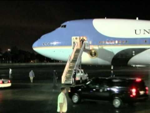 President Obama Arrives in Hawaii