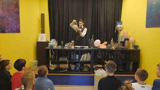 """UTV. Крио-шоу. Уфимцев ждут невероятные опыты с жидким азотом в музее """"Интеллектус"""""""