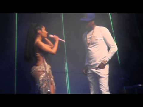 Nicki Minaj and Meek Mill - Anybody Wanna Buy a Heart (Live @ Barclays)