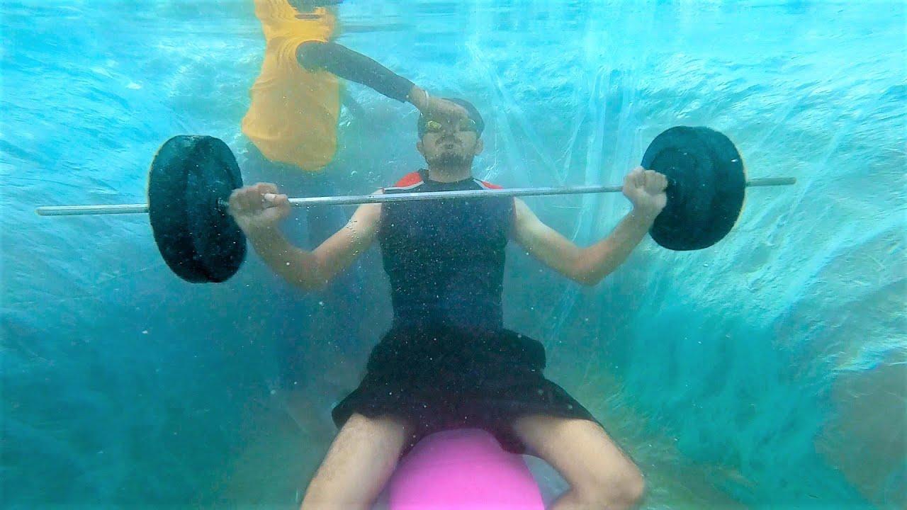 Gym Workout Under Water🏋️ | क्या पानी के अंदर वजन खत्म हो जायेगा?