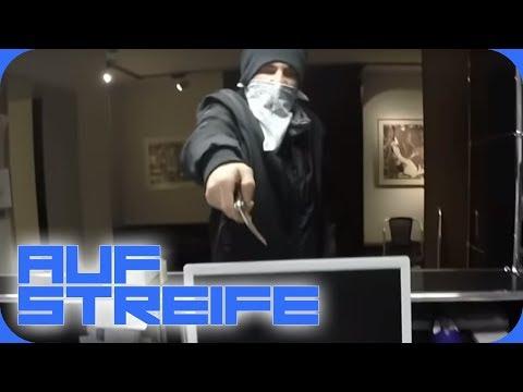 Mit Messer bedroht: Überfall in einer Arztpraxis! | Auf Streife | SAT.1