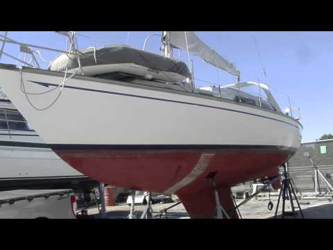 What to look for when inspecting a boat's hull