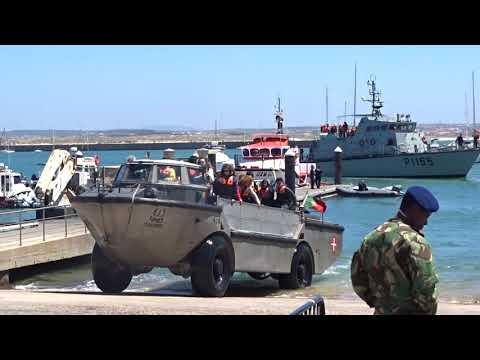 Portugal # Peniche -Amphicar + Kriegsschiff der Marine !
