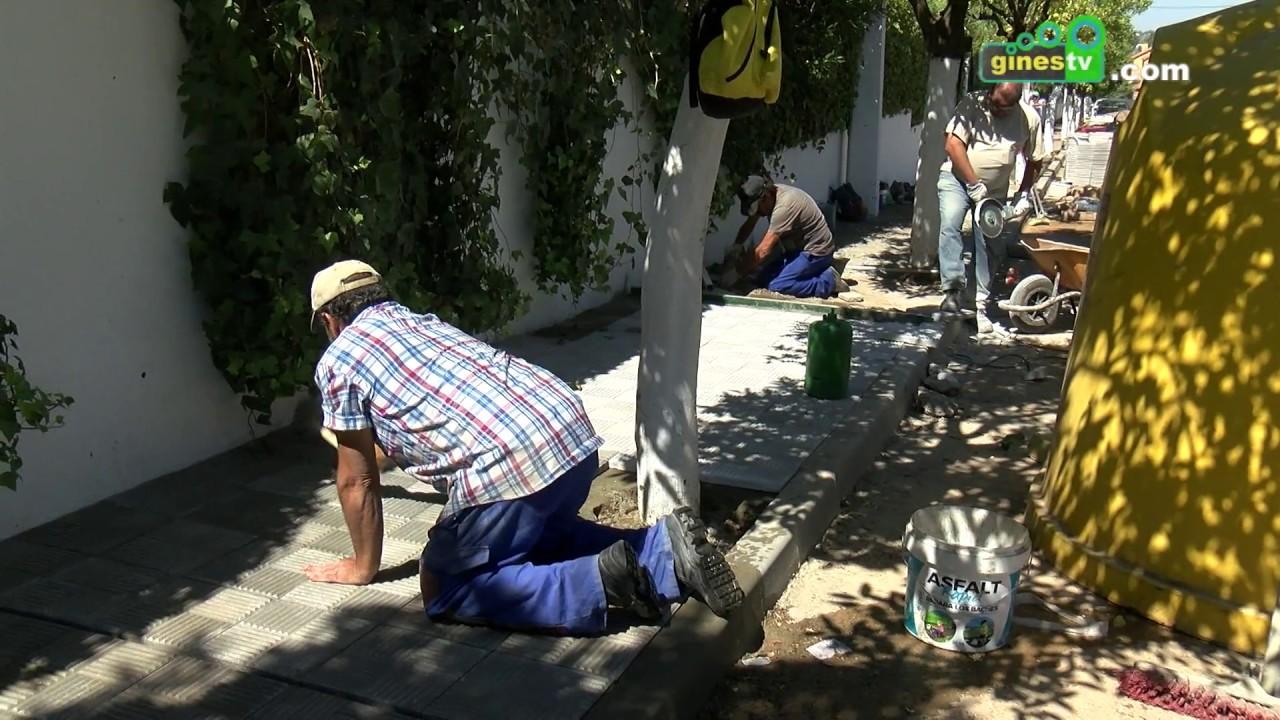 Mejora integral del acerado de la calle Hernán Cortés de Gines