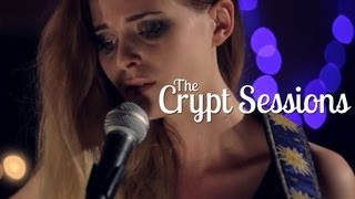 Kyla La Grange - Walk Through Walls // The Crypt Sessions