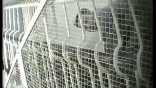 Фабрика безумия. Психиатрическая больница изнутри скрытой камерой.(Корреспондент НТВ устроился на работу в одну из самых главных психиатрических больниц Москвы и снял скрыто..., 2012-06-04T07:00:28.000Z)