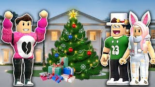 CHRISTMAS PARTY in a GIANT MANSION!!   Romelerso Roblox Roleplay