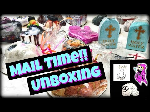HUGE HALLOWEEN Bath Bomb Haul & Unboxing *Copper Cat Apothecary, Namaste and Skulls, Glitter & Gore