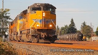 Union Pacific 8670 leading train MHKCO - Salem, Oregon 9.8.13