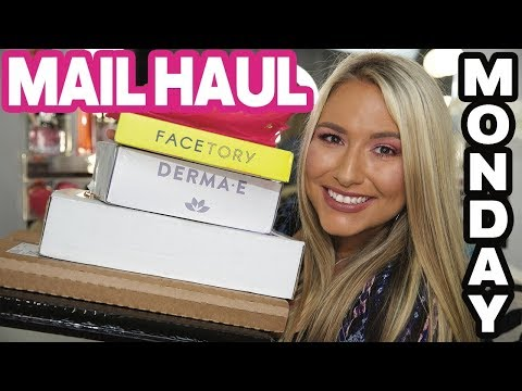 The BIGGEST mail haul monday ever! Ft. Deck of Scarlet, MakeUp ForEver, Urban Decay, Fab & more!