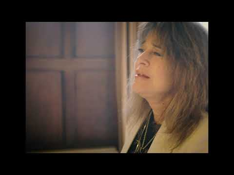 """SUZI QUATRO """"My Heart And Soul (I Need You Home For Christmas)"""" (Official Video)"""