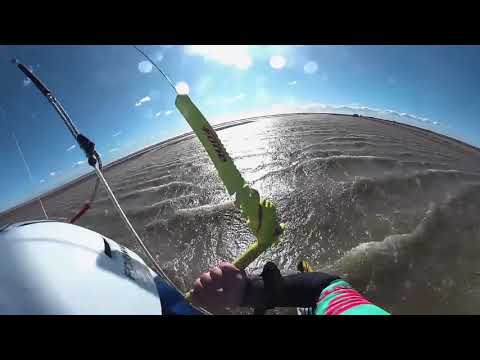 57.97 knots: Alex Caizergues breaks the world kiteboarding speed record