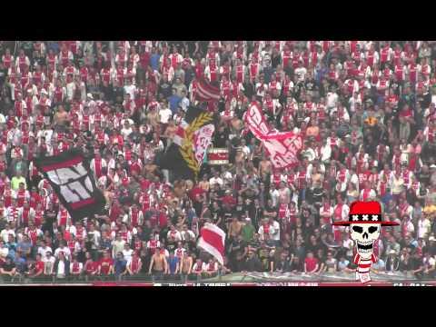 VAK410 tijdens de kampioenswedstrijd  AJAX - Willem II   2012-2013