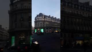 파리 갤러리 라파예트 백화점 거리 앞 풍경