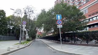 Смотреть видео Москва 346 1-й (первый) Голутвинский переулок, парк Музеон, Президент Отель лето день онлайн