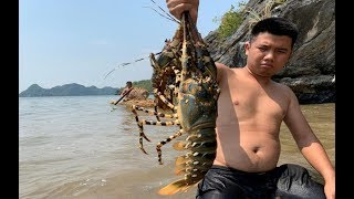 Primitive Technology with Survival Skills Wilderness Make Boats And Giant Lobster Traps At The Beach