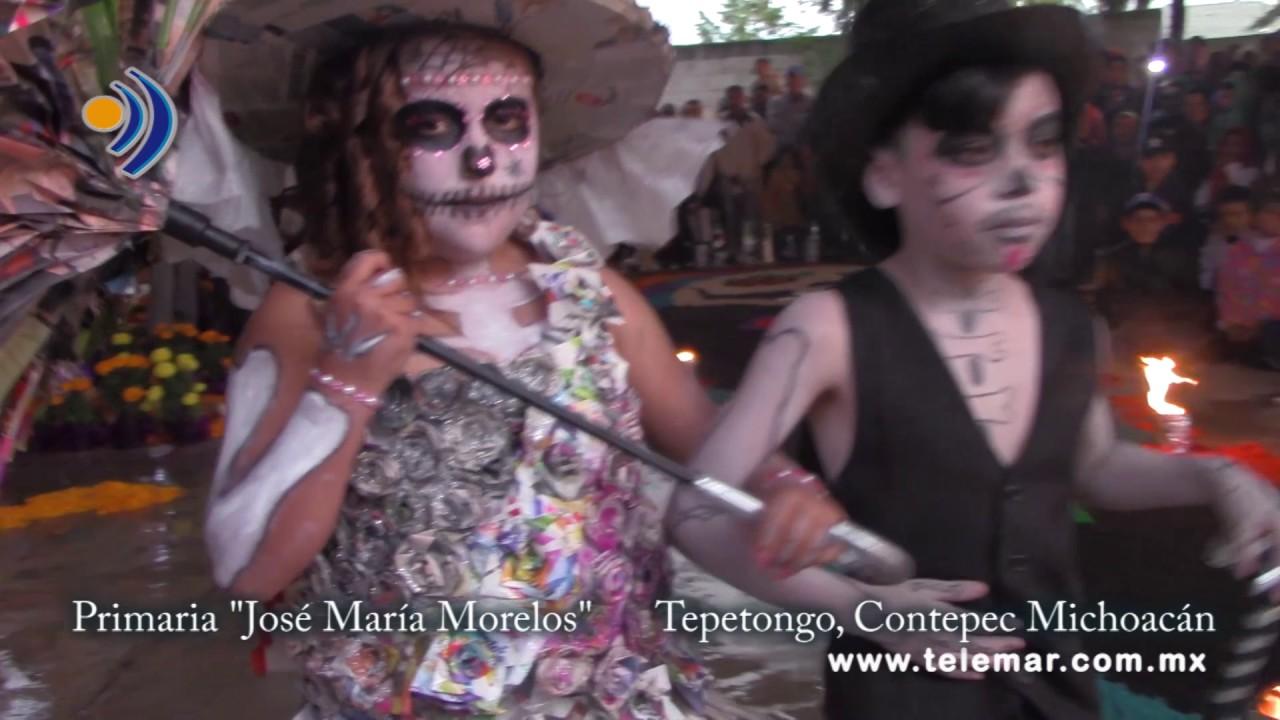 Espectacular Desfile De Catrinas Con Vestuario De Material Reciclado En Contepec Michoacán