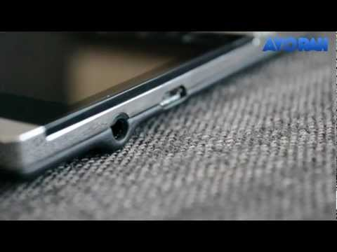 BlackBerry Porsche Design P9981 Unboxing