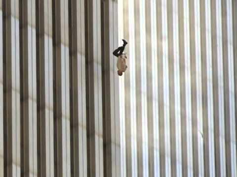 Resultat d'imatges de el hombre que cae