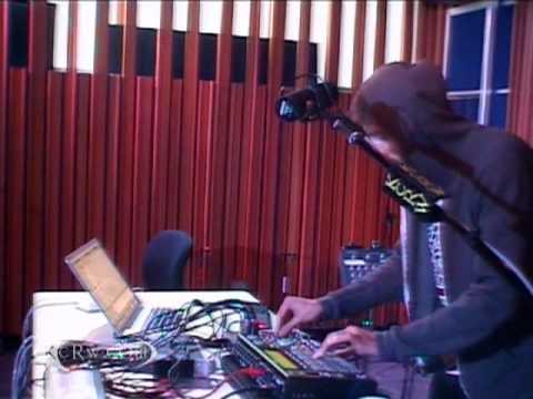 "Gold Panda performing ""You"" on KCRW"