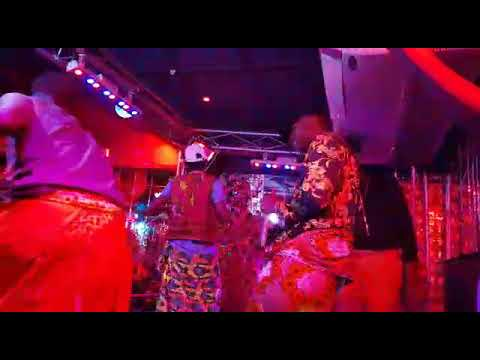 Clique viral performs maternity at Kabs Mall
