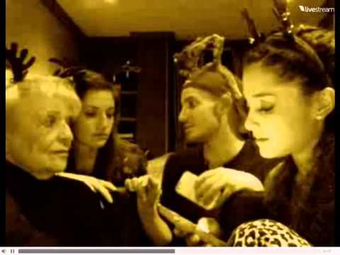 Ariana Grande Christmas Twitcam Live Chat w/ family (24/12/2012)