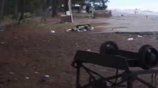 Мусор в Пицунде(Видео снято в июле 2015 г. Количество мусора в Пицунде сильно удручает. Огромные кучи, состоящие из пластиков..., 2015-11-28T19:42:31.000Z)