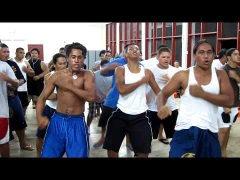 Troy Polamalu and American Samoa - Marist High School Football Siva Tau Dance